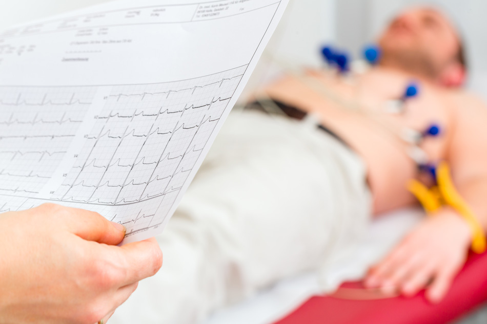 Patient beim Ruhe-EKG
